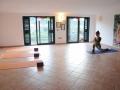 Silvia-Rosi-mentre-pratica-yoga.jpg